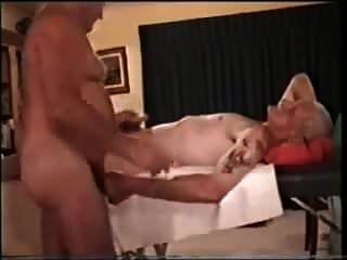 Dos Viejos Abuelos Jugando Entre Ellos
