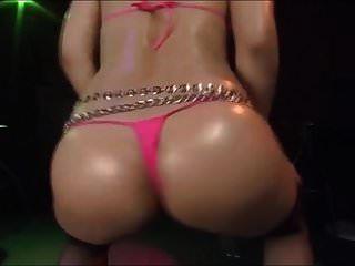 Bailarina De Micro Bikini Japonesa Emi Haruna