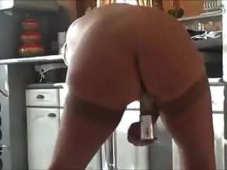 Abuela Cachonda Masturbándose