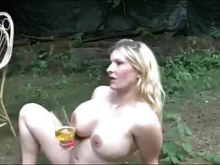 Tetas Gigantes Chicas Tragan Mucha Orina