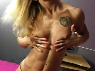 Mujer Musculosa Madura Caliente