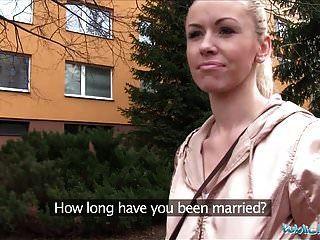 Agente Público Casado Rubia Es Infiel Por Dinero En Efectivo