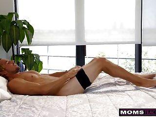 Momsteachsex Madre E Hijo Comparten La Cama Y Follan S7: E3