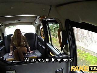 Falso Taxi Tetona Polla Hambriento Rubias Sucio Taxi Trío