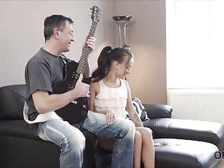 Old4k. Héroe De La Guitarra.
