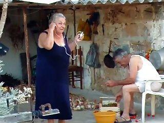 Bbw Abuela Italiana Llama Al Abuelo A La Mierda