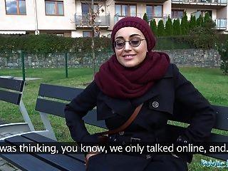 Agente Afgano De Belleza Paga Para Follar Una Gran Polla