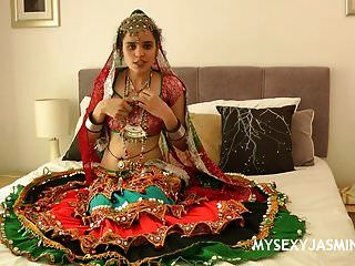 Gujarati Universidad India Nena Jazmín Mathur Garba Baile