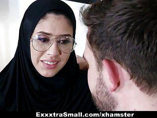 Exxxtrasmall Adolescente Vistiendo Hijab Follada