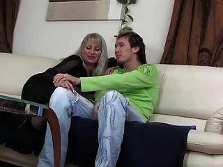 Caliente Ruso Mami Tetas Flacas Follada Joven Chico Medias