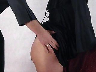 Monja Embarazada Tomada Por Sorpresa Y Follada Por Detrás