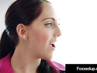 Hot Ebony Jenna Foxx Muff Inmersiones Con Agente Inmobiliario Nickey Huntsman