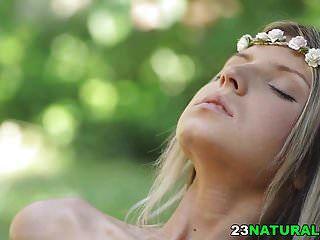Chica Hippie Se Jodio En El Bosque