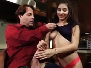 Papi Se Folla A Una Hija Sexy