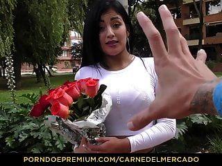 Nena Colombiana Tetona Carne Recibe Un Duro Golpe