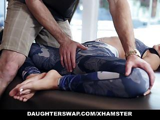 Daughterswap Linda Petite Teen Es Follada Por Gimnasta Papá
