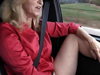 Conduciendo Con Annabelle