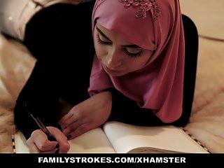 Familystrokes Pakistani Esposa Monta Polla En Hijab