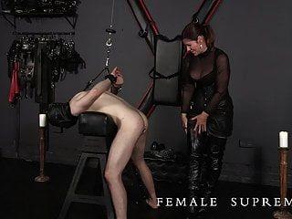 ¡muy Nervioso! Dominación Femenina Con Dominatrix Baronesa Essex