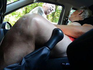 Abuela Puta En El Carro