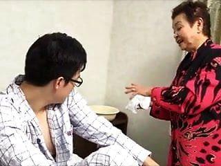 81yo Abuelita Japonesa