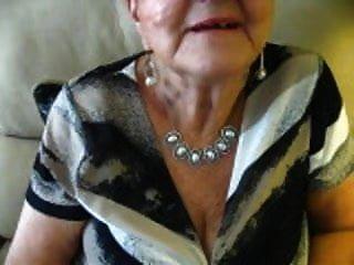 Abuelita De 80 Años De Edad